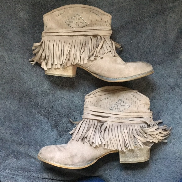 Not Rated Shoes - Cute cowgirl booties sz 9.5